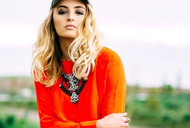 Fashion in Bold Colors : How to Accentuate Fashion Sense in Bold Colors?